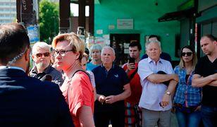 Rodziny i koledzy uwięzionych górników czekają na wieści
