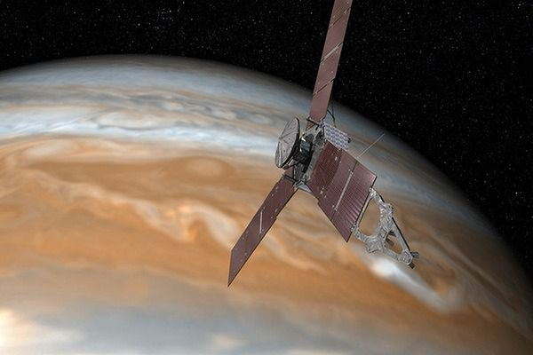 Po pięciu latach sonda Juno dolatuje do Jowisza