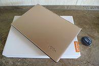 Pierwsze Impresje - bliskie spotkanie z Lenovo Yoga 900 13ISK - wewnątrz tylko: ultrabook + ładowarka