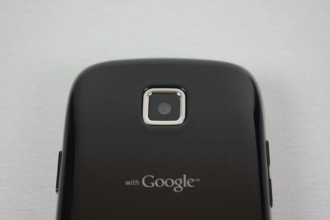 Tył Samsunga Galaxy 551 with Google, czyli z Androidem 2.2, przetestowanego przez dobreprogramy w kwietniu 2011 r.
