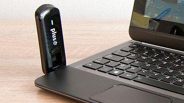 LTE dla każdego – modem to podstawa (HUAWEI E3276) - E3276 przypięty do ultrabooka