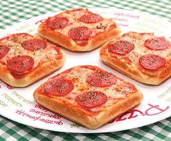 Pizza na gofrach. Przepis na szybką przekąskę