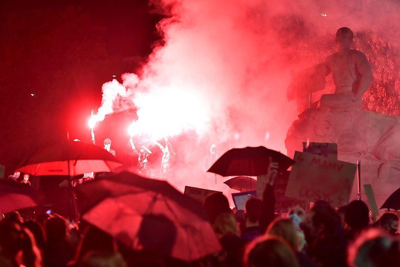 Strajk Kobiet. Znamy szczegóły ataku we Wrocławiu. Kibol został zatrzymany