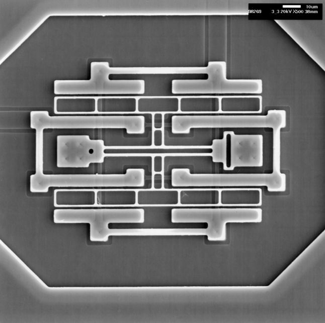 prototyp oscylatora MEMS, Sandia National Laboratories, 1998