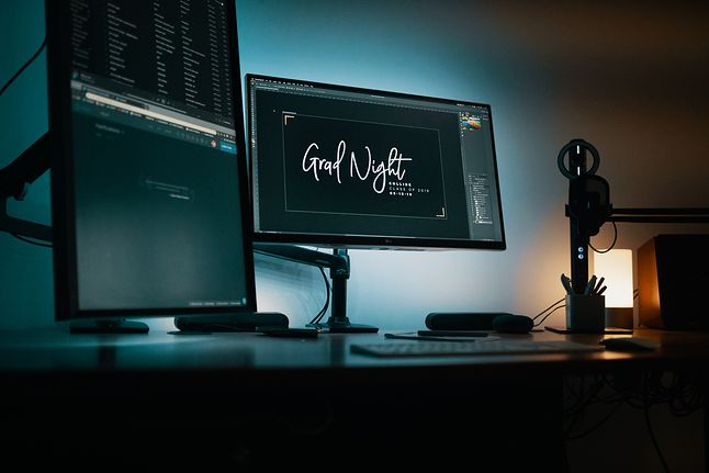 Osoby posiadające monitory o różnym odświeżaniu będą mogły wreszcie cieszyć się płynniejszym obrazem, fot. Josh Sorenson / Unsplash