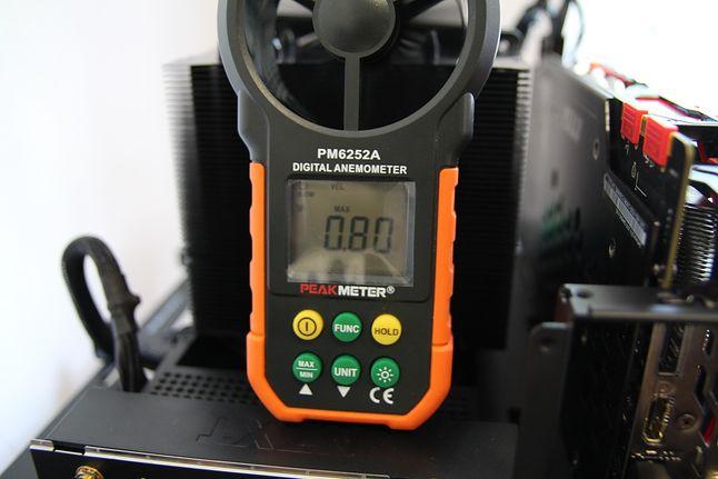 Przepływ powietrza przy 50% RPM identyczny jak w mniejszymFreezer 34.