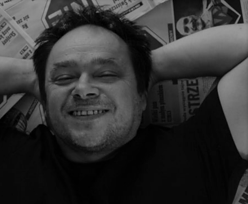 """Nie żyje Tomasz Wiater. Jego rysunki w tygodniku """"Nie"""" znał każdy"""