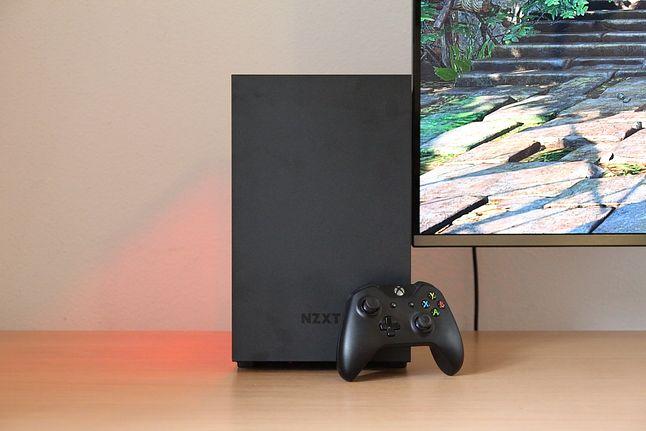 Z frontu prawie jak Xbox One X :)