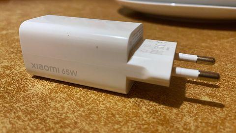 Azotek galu przyszłością ładowarek? Krótki test Xiaomi Fast Charger 65 W