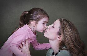 Całowanie dzieci - tak czy nie?