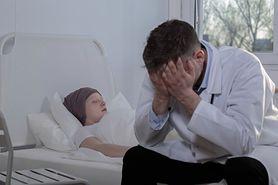 Więcej chorych na nowotwory głowy