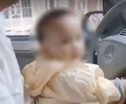 Oburzające nagranie. Małe dziecko za kierownicą mercedesa