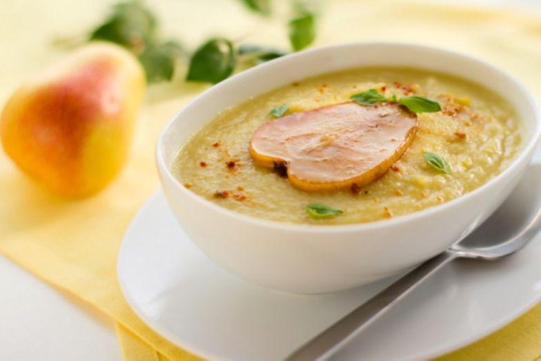 Przepis na zupę z gruszek. Smakuje przepysznie o każdej porze roku