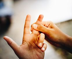 Pierwszym objawem jest ból stawów. Groźna choroba wyniszcza całe ciało