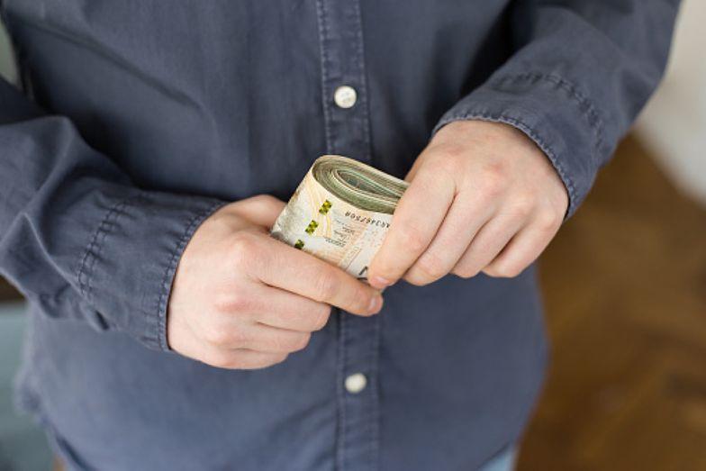 Oszczędzanie – sposoby, dzięki którym na koncie zostanie więcej pieniędzy