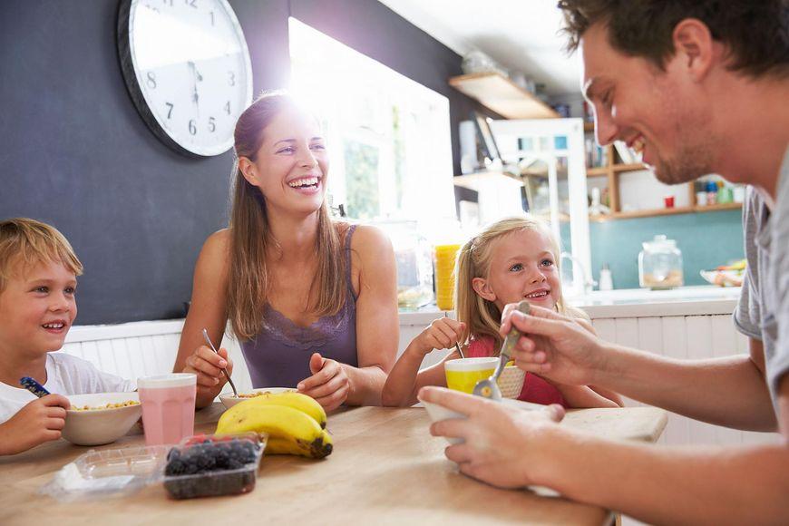 wspólny posiłek [123rf.com]