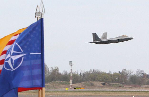 """Jeden z dowódców NATO dla """"FT"""": należy szybko reagować na zagrożenia"""