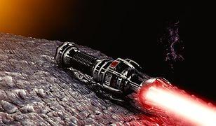 Bielany: ukradli sto mieczy świetlnych. Grozi im więzienie