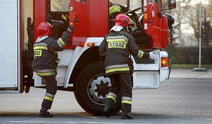 Gdańsk: pożar w rafinerii. Trwa akcja strażaków