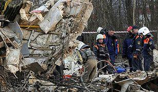 Fragment rozbitego tupolewa w Smoleńsku
