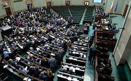 Sejm uchwalił nowelizację ustawy okołobudżetowej