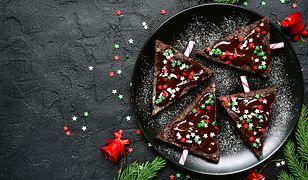 Gorzka czekolada ma ciemnobrązowy, głęboki kolor