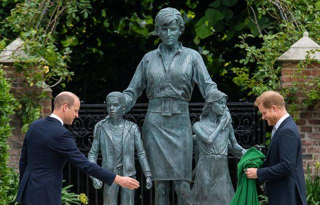 William i Harry odsłonili pomnik mamy w 60. rocznicę jej urodzin