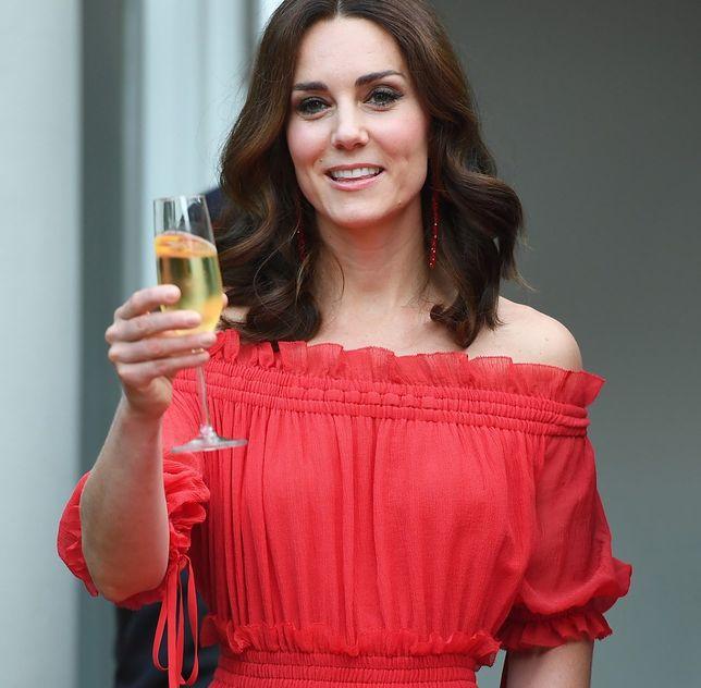 Kate Middleton na studiach założyła stowarzyszenie alkoholowe. Nie była grzeczną dziewczynką