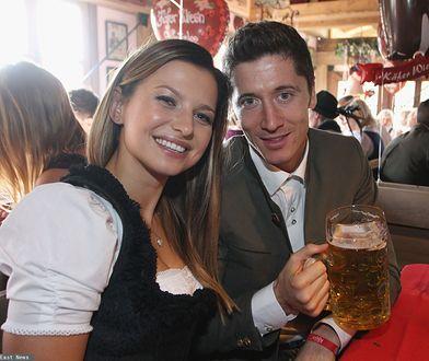 Anna i Robert Lewandowscy w bawarskiej piwiarni