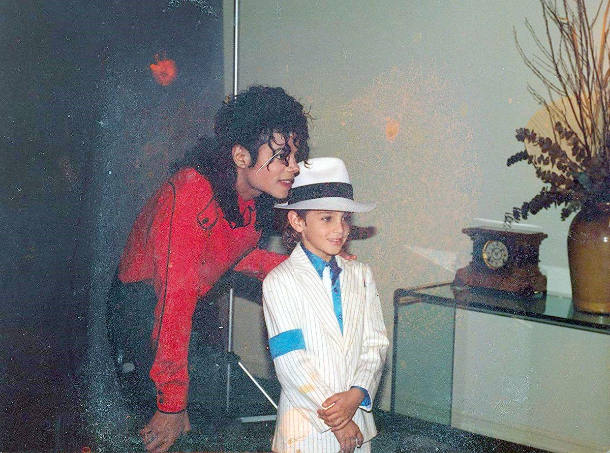 """Reżyser odpowiada na zarzuty rodziny Michaela Jacksona. """"Mają wiele do stracenia"""""""