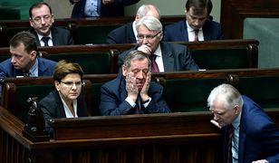 Rekonstrukcja rządu PiS. Jacek Nizinkiewicz: mogę zdradzić, że Macierewicz zostaje, ale trzech ministrów na wylocie