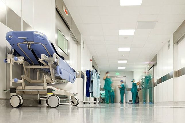 Spór w krakowskim szpitalu. Poszło o wiek, ale przyczyna mogła być inna
