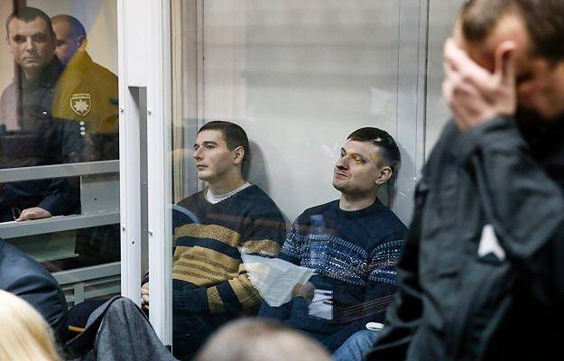 Oskarżeni o morderstwo funkcjonariusze Berkutu podczas rozprawy w listopadzie 2016 r.