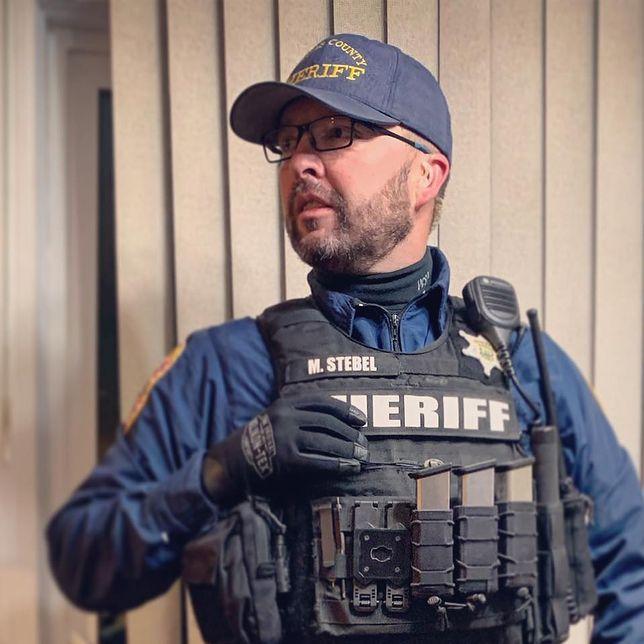 """Polski szeryf komentuje zamieszki w USA. """"Narracja o rasistowskim podłożu tej zbrodni jest błędna"""""""