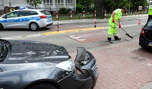 Warszawa. Miejsce wypadku autobusu na Bielanach