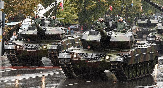 Defilada z okazji święta Wojska Polskiego w tym roku bardziej okazała. Uwaga zmiana trasy