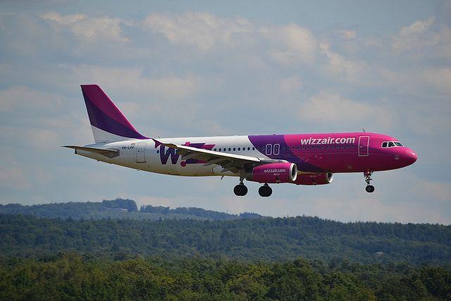 Wizz Air i Ryanair ukarane za złe traktowanie pasażerów i politykę bagażową