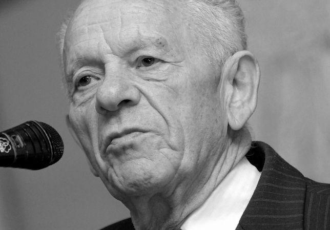 Jacek Wilczur był m.in. założycielem i prezesem Towarzystwa Poszukiwań Zabytków z siedzibą w Warszawie