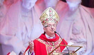Abp Głódź sołtysem. Duchowny odniósł się do zarzutów