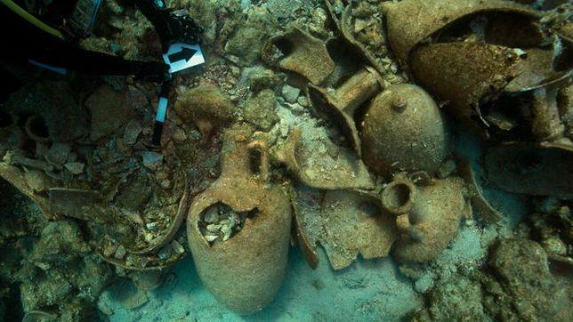Nurkowie odnaleźli starożytne wraki statków.