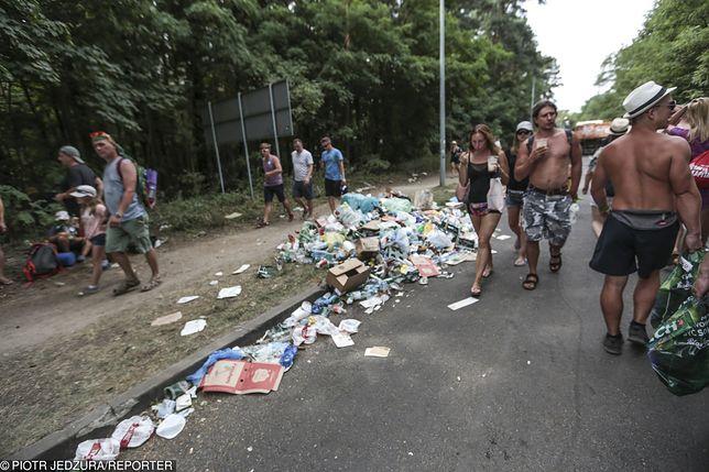 Kostrzyn nad Odrą. Pol'and'Rock Festival zakończył się 3 sierpnia. Tony śmieci pozostały na terenie imprezy.