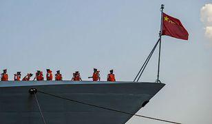 Okręt chińskiej marynarki wpływa do Hawany, listopad 2015 r.