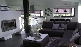 Duży, biało-czarny salon z nutą koloru szarego