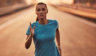 Żele energetyczne są często stosowane przez biegaczy długodystansowych