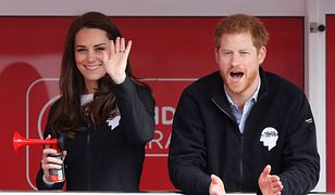 """Księżna Kate wypełniła Harry'emu lukę po Dianie. """"Siostra, której nigdy nie miał"""""""