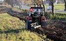 Urazy podczas pracy w polu. Wiosną do okulistów trafia wielu rolników