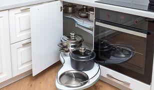Duży potencjał do wykorzystania w zakresie przechowywania mają kuchenne szafki narożne.