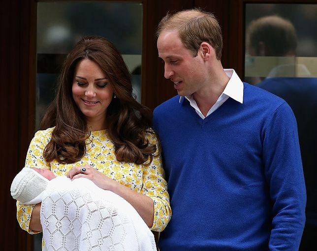 Kate i William krótko po narodzinach Charlotte