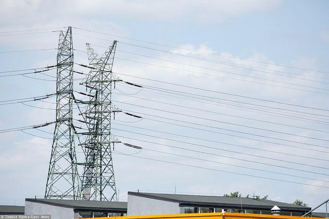 Kętrzyn. Nie żyje 18-latek, który chciał przeciąć kable energetyczne, zdjęcie ilustracyjne