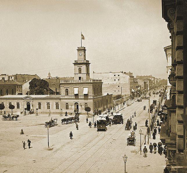 W sercu Warszawy wyburzono kwartał miasta - zdjęcia